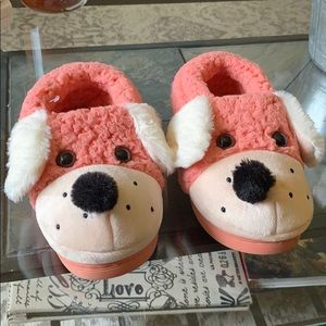 Girls pink puppy slippers